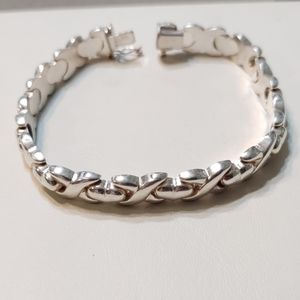 Kisses And Hearts Sterling Silver Braclet